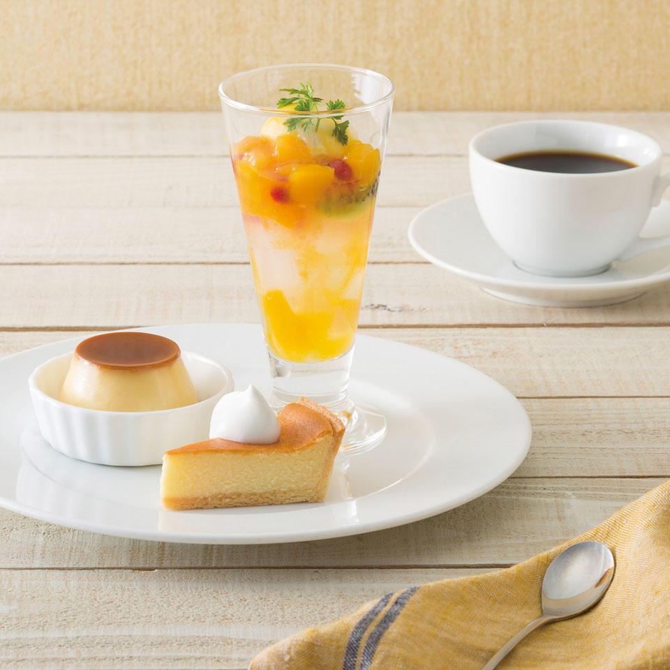 マンゴーのミニパフェと</br>デザートプレート